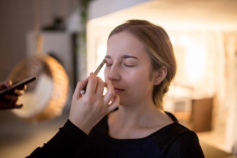 przygotowanie makijażu sesja zdjęciowa