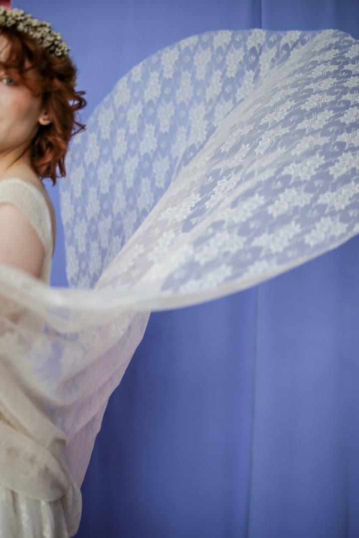 długi tren do sukni ślubnej