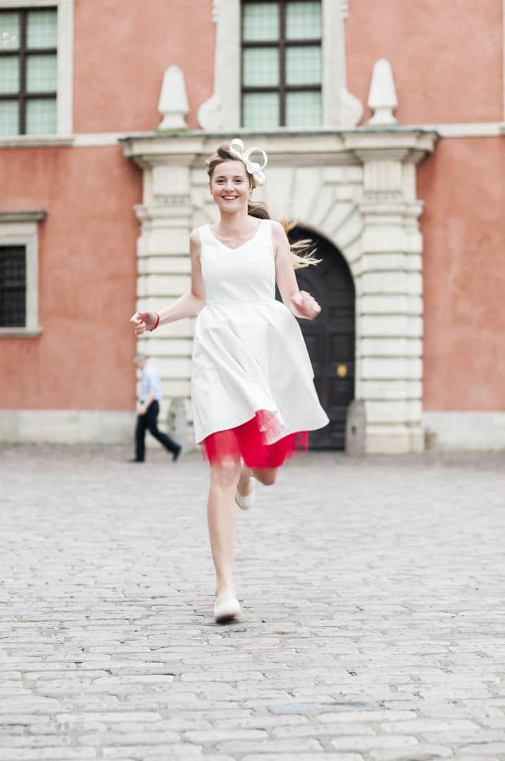 czerwona podszewka sukni ślubnej