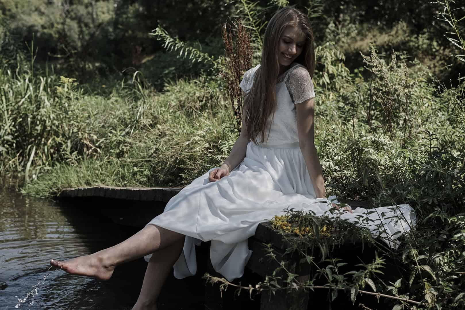 koronkowa sukienka ślubna z naturalnych materiałów